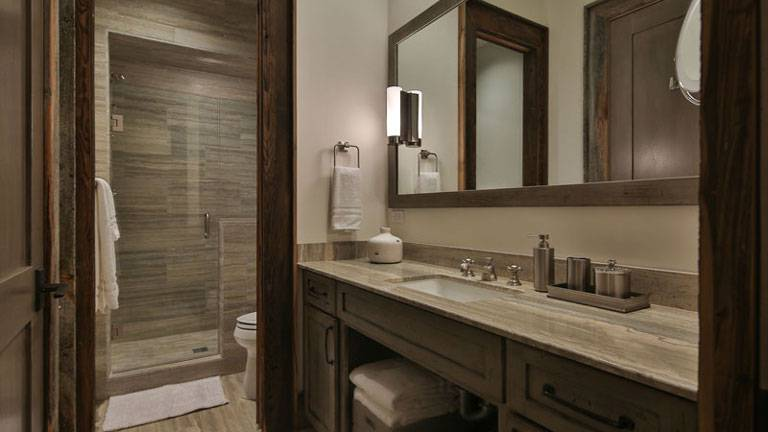 277-Old-Armington-Rd-Lucky-Man-print-024-43-Bathroom-4200x2800-300dpi_8542_2019-10-28_10-37