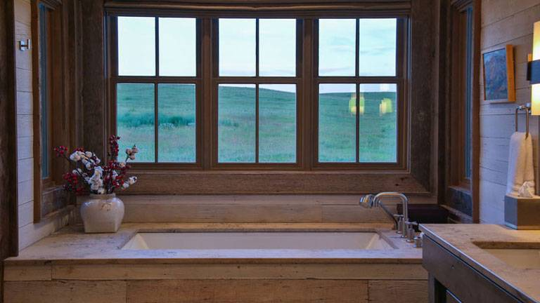 277-Old-Armington-Rd-Lucky-Man-print-034-65-Master-Bath-4200x2800-300dpi_8542_2019-10-28_10-38